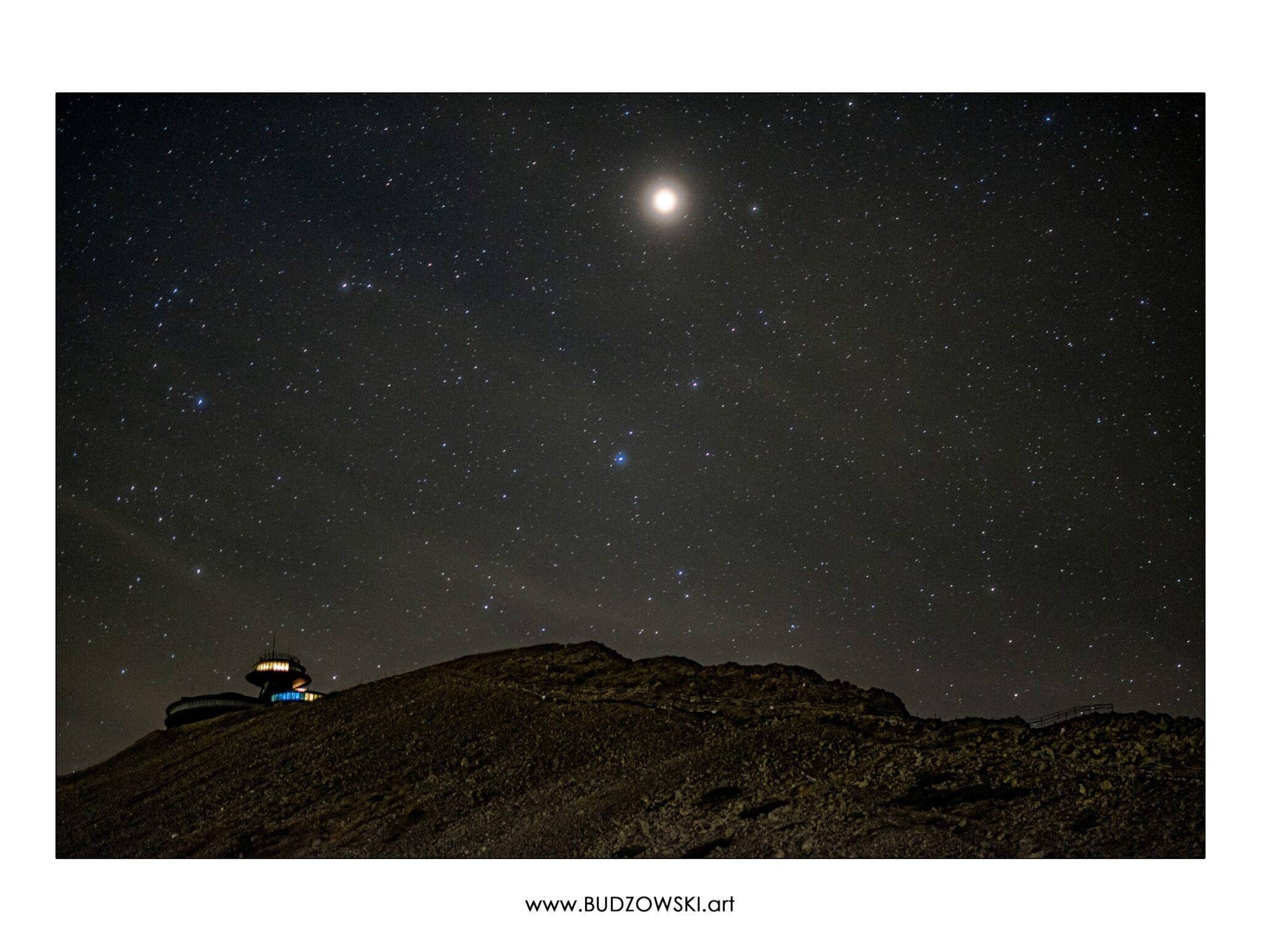 Śnieżka. Obserwatorium. Karpacz. Karkonosze. Gwiazdy.