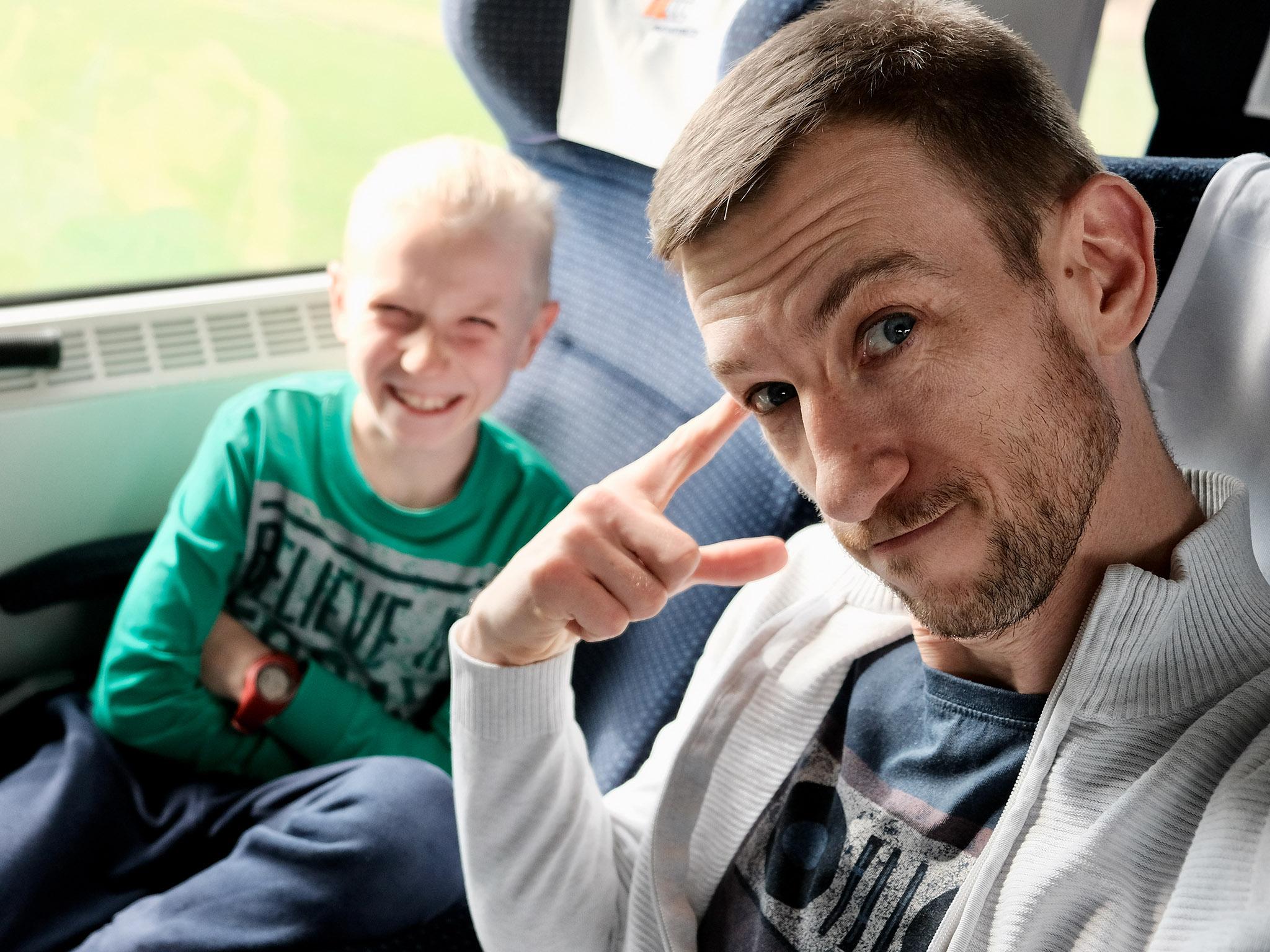Roman i Ignacy w pociągu
